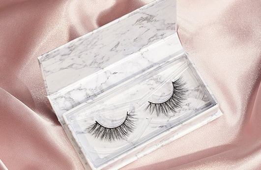 Features of the Azlo Lashes Style 'Sassy':
