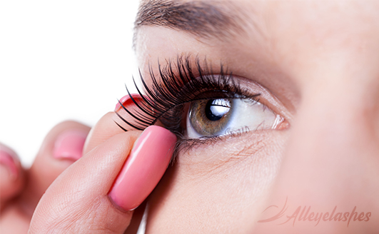 The Best and Most Affordable Fake Eyelash Brands [Listed]