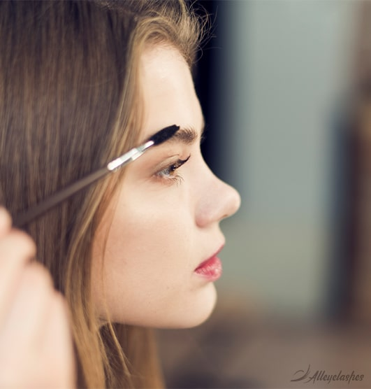 5 Tips to Avoid Those Dreaded Tadpole Eyebrows