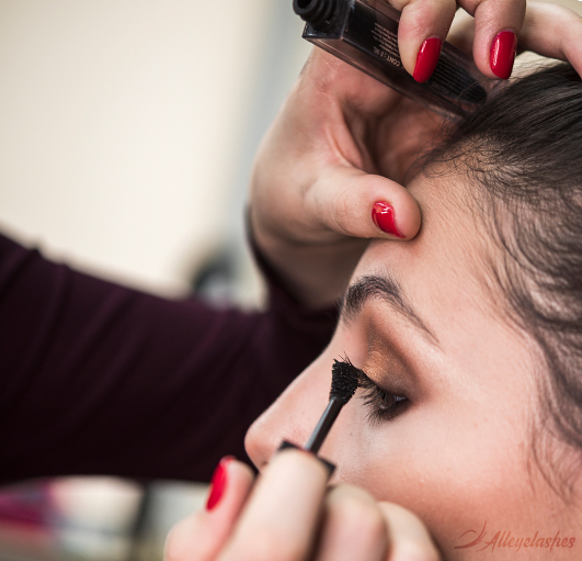 What Kind of Mascara Should I Use?