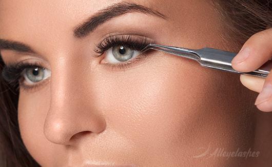 The Benefits of False Eyelashes